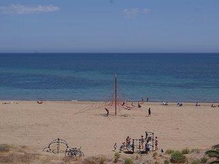 V44. Piso 3 habitaciones en 1ª linea de playa - Urb. Vista Mar