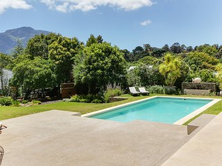 Stunning 5/6 bedroom home in Constantia PRIVATE WATER SUPPLY