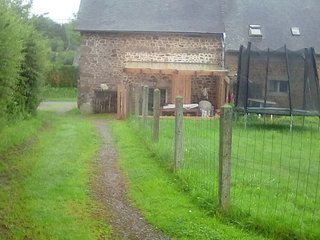 Charming house, sleeps 5 people. Rural views