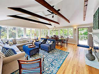 Remodeled 3BR on Moonakis River w/ Kayaks, Water Views & Fire Pit