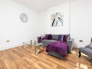 Stunningly Luxurious London Apartment (MHB350)