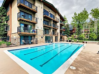 Ski Out-Retreat in Steamboat Springs - Communal Pool & Minutes to Skiing