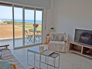 Seafront Apartment - 2 bed sleeps 6 Ayia Triada 2 mins to sea front