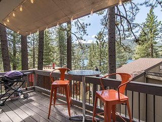 3BR at Donner Lake w/ Private Beach Access, Near Hiking, Skiing