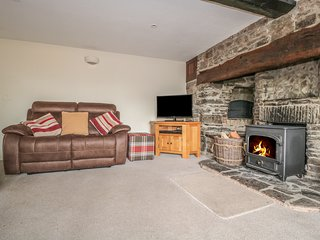 BICTON COTTAGE, peaceful setting, woodburner, near Clun, Ref 983286