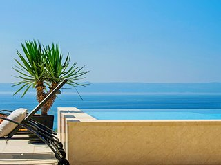 Villa with private pool and magnificent sea view - *Offer with dinner