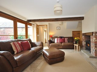 Oakwood Grange Cottage, in Ryton nearby Shrewsbury Golf Club, Condover.