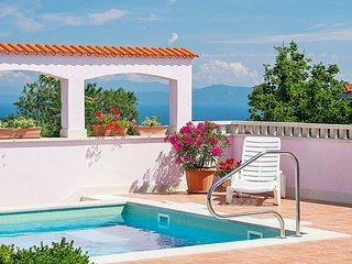 Adorable villa with private pool, 3 bedrooms and sea view