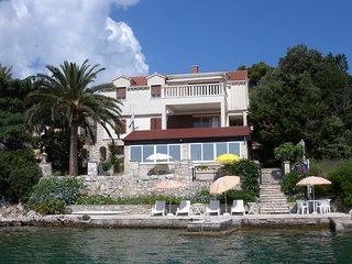 APARTMENT VANDA 30 sq.m , 4m from private beach