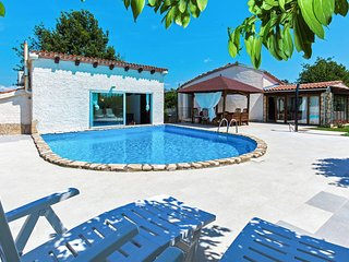 4 bedroom Villa in Muntić, Istria, Croatia : ref 5633732