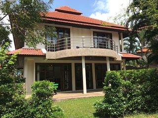 4 Bedroomed Villa on Beachfront Resort TG33