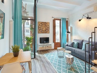Urban District Apartments - Marina Vintage Loft A