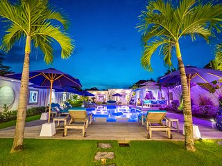NEW STUNNING 4 BDR VILLA, HUGE PRIVATE POOL, CATERING