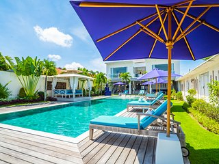 8 BEDROOM HIGH LUXURY PROPERTY,  2 HUGE PRIVATE POOLS, CATERING