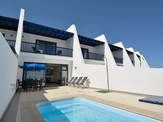 Puerto Calero Villa Sleeps 6 with Pool Air Con and WiFi - 5634095