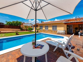 2 bedroom Villa in Santa Oliva, Catalonia, Spain - 5313444