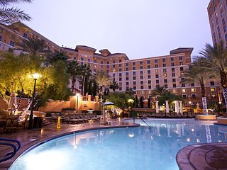 Grand Desert Las Vegas Resort near it all: Golf, Gambling, shows etc w/ 3 pools