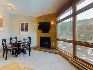 NEW LISTING! Family-friendly condo near shuttle & gondola w/slope views