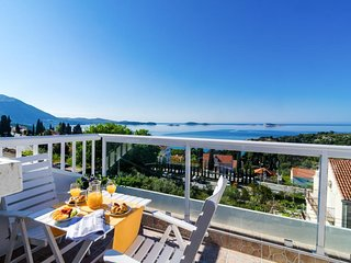 Apartment Knego - Two Bedroom Apartment with Balcony and Sea View
