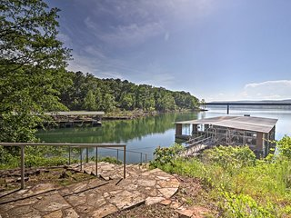 NEW! Greers Ferry Lakefront Home-Deck & Boat Slips