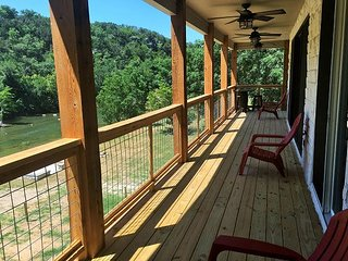 2 homes with private Guadalupe River access! Sleeps a total of 28!