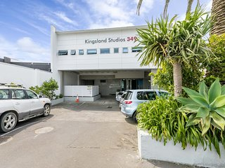 Kingsland Studio Room 32