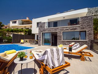 NEW!! Villa Soriano with private pool & sea view, 130m from sea, 8 persons max