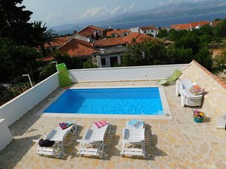 Swimming Pool Apartment, Great Sea Views from balcony - Mia