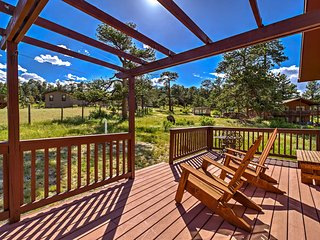 NEW! Sunny Estes Park Cabin w/Rocky Mountain Views