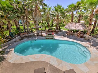 'Under the Palms'- Galveston Home w/Private Pool!