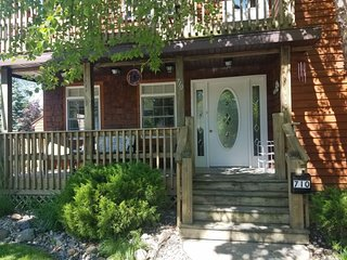 Cedar Haven Cottage - 3 Night Minimum, call the office to book less than 7 night