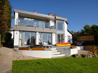58615 House situated in Saundersfoot