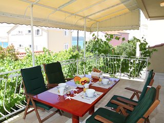 Apartments Brodarica Center - One Bedroom Apartment with Terrace and Sea View