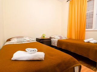 Guest House Curic - Twin Room with Shared Bathroom