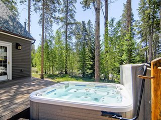 600yds from slopes with hot tub, pool table, free shuttle - Timber Peak Lodge