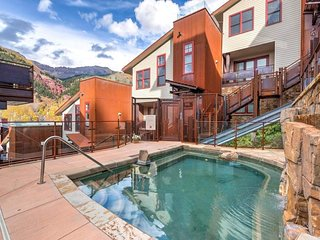 Ski-in/out condo in Telluride, community hot tub - In-Town Sophisticate at