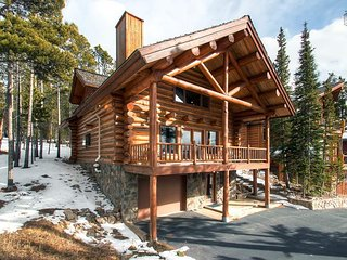 Real log home, beautiful mountain views, free shuttle - Mountain Echo Lodge
