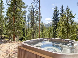 What's better than an 8 person hot tub? An 8 person hot tub with a mountain view, of course.
