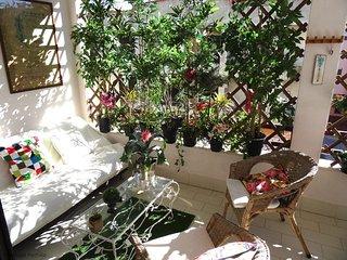 Cascais with Cosy Sunny Balcony