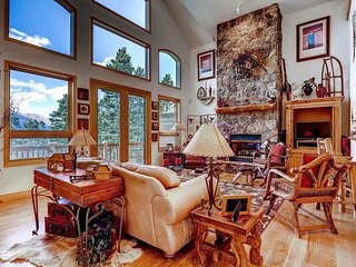 Game room, free shuttle, ski area views! - Mountain High Retreat