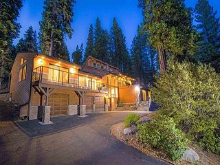 1-Acre 5BR Mountain Getaway w/ Pool, Tennis & 3 Decks - Near Lake & Slopes