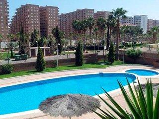 Apartamento con piscina y garaje, ideal para familias con ninos! (SP)