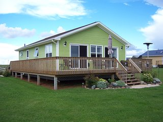 North Shore PEI Cottage - beaches, sunsets, and lobster are waiting!