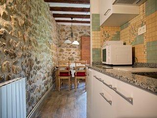 Encantadora casa centenaria de piedra 2B