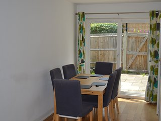 Lovely 3 Bedroom House - Wimbledon - London