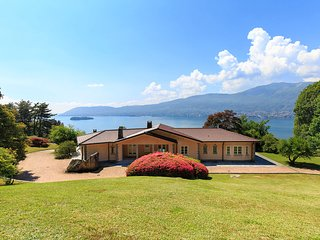 NEW! Bright and shining villa perched on the hills with views over the lake