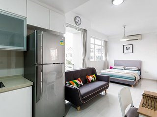 STUDIO APARTMENT EAST SINGAPORE, NEAR DAKOTA MRT