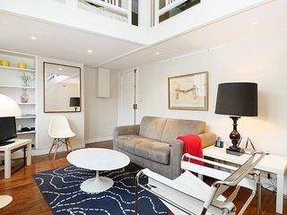 Classic Montparnasse One Bedroom Duplex ( Luxembourg )