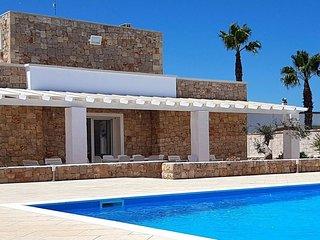 4 bedroom Villa in Capilungo, Apulia, Italy : ref 5633940