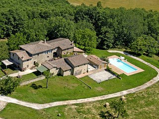 6 bedroom Villa in Montalcinello, Tuscany, Italy : ref 5633964